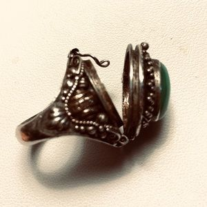 POISON RING STERLING JADE 5